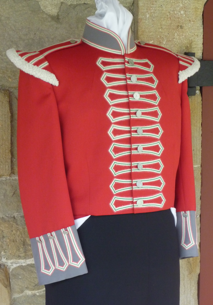https://andreitailors.com/wp-content/uploads/2018/08/Band-Uniform-1812-Soldier.jpg