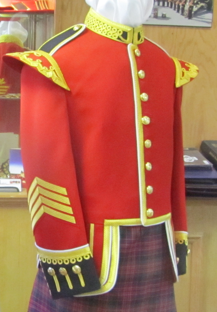 https://andreitailors.com/wp-content/uploads/2018/08/Drum-Major-Doublet.png