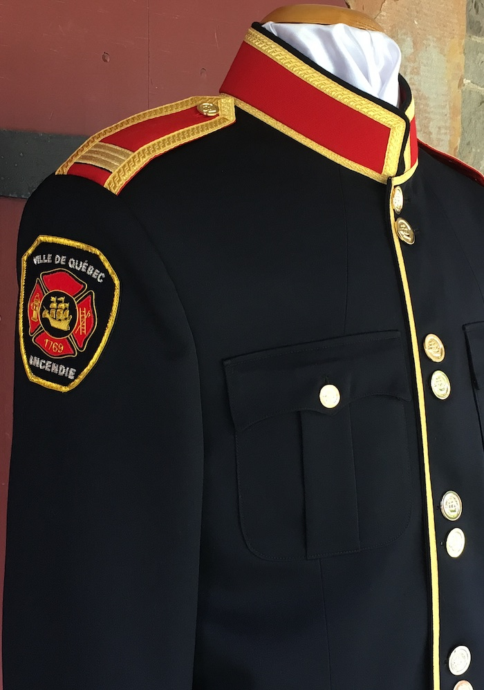https://andreitailors.com/wp-content/uploads/2018/08/Fire-Chief-Tunic-Shoulder.jpg