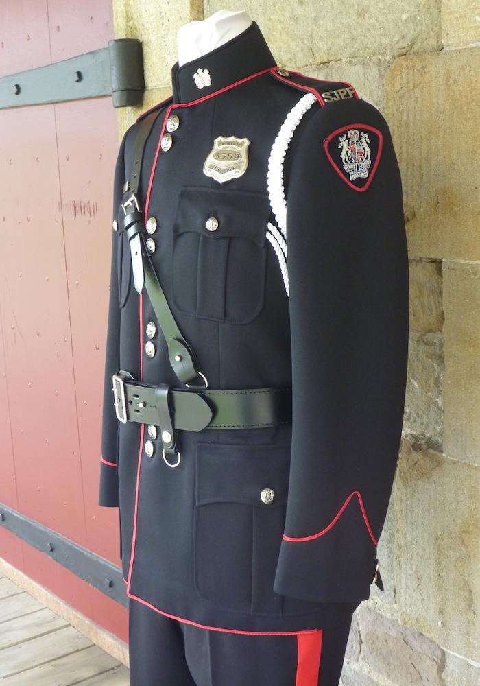 https://andreitailors.com/wp-content/uploads/2018/08/Police-High-Collar-Uniform.jpg