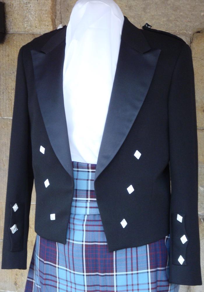 https://andreitailors.com/wp-content/uploads/2018/08/Prince-Charlie-Jacket.jpg
