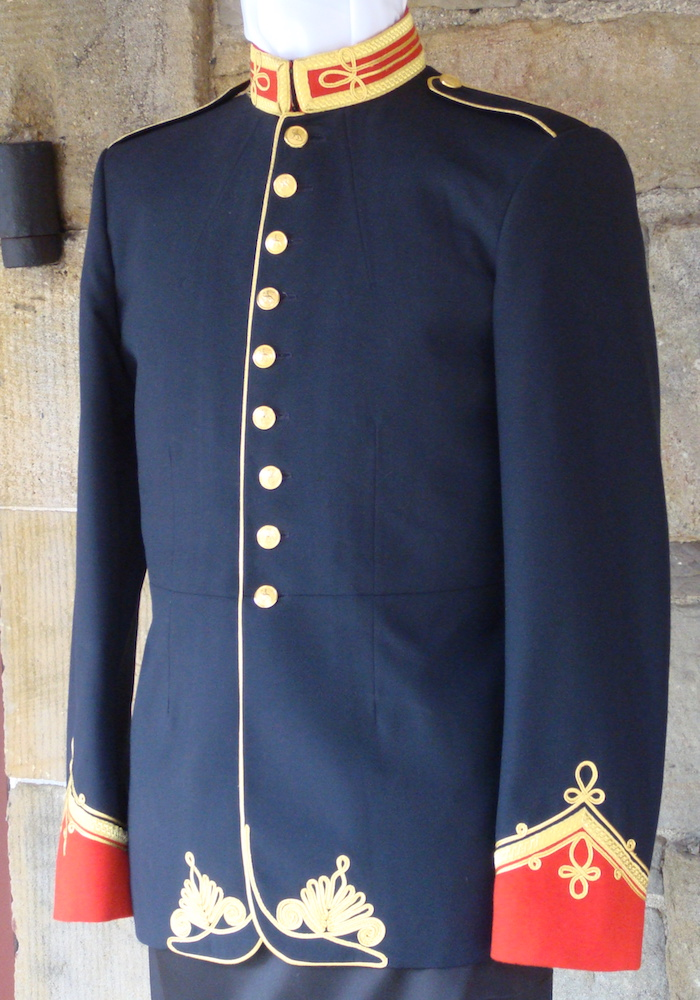 https://andreitailors.com/wp-content/uploads/2018/08/Royal-Artillery-Band-Uniform.jpg